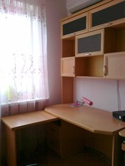Продам Книжный шкаф и стол